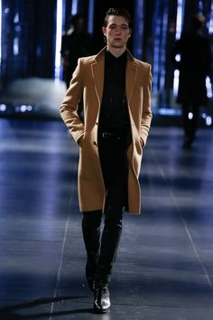 Saint Laurent, Look