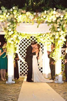 Ketubah.com's all you need to know about Chuppahs! Jewish Wedding 101: The Chuppah   Jewish Wedding Blog