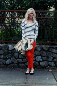 red pants + stripes... trés chic