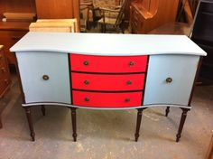 I love the mod paint job on this sideboard