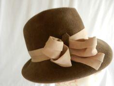 Felt Raymond Hudd hat: Personal collection of Mary Robak from Linda Feigenheimer Estate