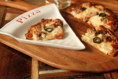 Thin Crust Pizza: This low carb and gluten free crust is AMAZING!