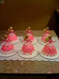 Barbie cupcakes via Cake Central