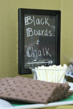 Edible blackboards and chalk at a Back to School Party #backtoschool #party