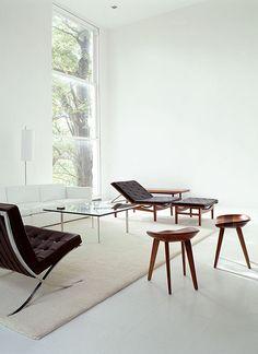 Mies Pavilion chair, Pavilion table