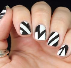 Graphic black & white nails; monochrome manicure