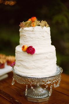 photo shoot, cake stands, wedding cakes