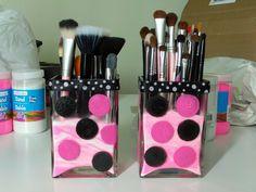 more makeup brush holders