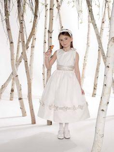 Ball gown sleeveless organza dress for flower girl