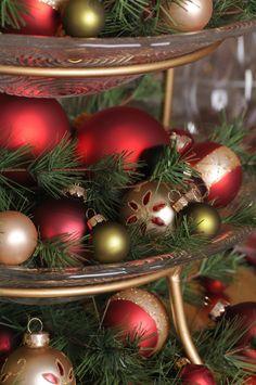 Ornaments & greenery