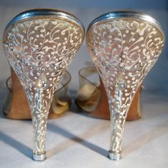 1950s lucite heels = pure awesomeness