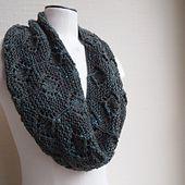 Diamond NeckLace pattern by Susan Ashcroft