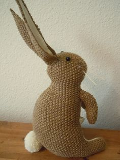 Knit a realistic looking Easter bunny with this cute knitting pattern.