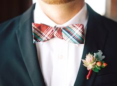 Warm red and gold wedding ideas | Photo by Nicole Berrett Photography | Read more - http://www.100layercake.com/blog/?p=81653