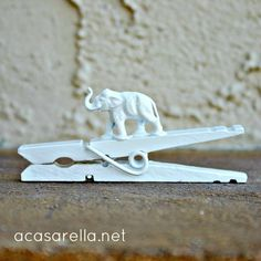elephants, clothespin, gift topper, eleph gift, gifts, project gallery, white elephant, project galleri, felt animals