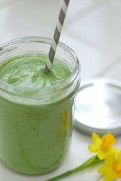 hemp, coconuts, kale, avocado, green smoothies, juices, gingers, leaves, coconut water