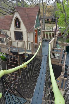tree house masters | Duck your head to enter this unforgettable Dallas wonderwork, lovingly ... dream, the bridge, tree houses, dalla, trees, awesom treehous, cubby houses, kids, play hous