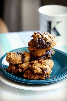 gluten free four ingredent pumpkin chocolate chunk cookie recipe. vegan and dairy free, too!