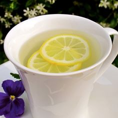 Why You Should Be Drinking Lemon Water in the Morning.