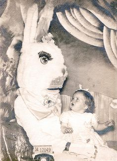 LOL! 24 Creepy Easter Bunny Pictures!
