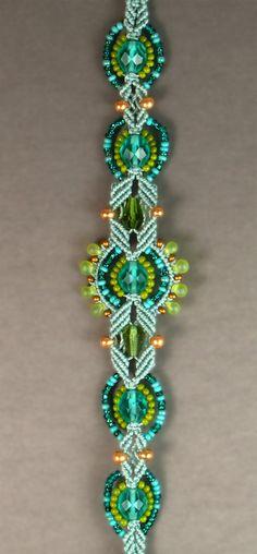 beautiful micro-macrame bracelet