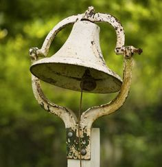 Outdoor Vintage Bell white and rusty
