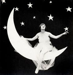 Paper Moon vintage wedding photos, vintage weddings, art, paper moon, star, photo booths, senior pics, papers, papermoon