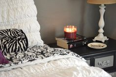 DIY Mirrored Nightstand with Americana Decor Chalky Finish. #chalkpaint