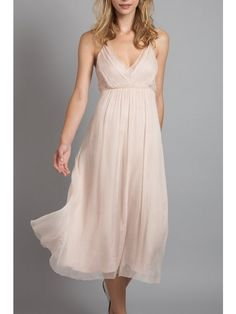 I love the cut and fabric of this bridesmaid dress. Perfect for the beach.