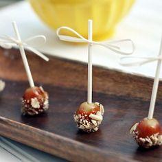 "Caramel ""Apple"" Grapes. Easy Recipe and less messy than caramel apples. Surprisingly taste like mini caramel apples!"