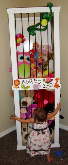 Adorable DIY stuffed animals storage zoo from @Sheena Birt Birt Tomlinson The Keeper of the Cheerios