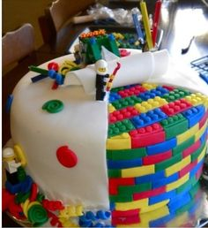 LEGO Birthday Party | pinterest lego birthday cake, lego birthday party.....TOO COOL!!!!! I'm a girl but I would've loved having a Lego party as a kid!