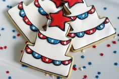 patriotic cake cookies with bunting for America's birthday! ::: 4th of July / Independence Day Dessert