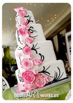Amazing wedding cake! So want this
