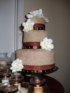Tiered towel cake gift, craft, idea, towel cakes, towel cake bridal shower, shower towel, towels, parti, bridal showers