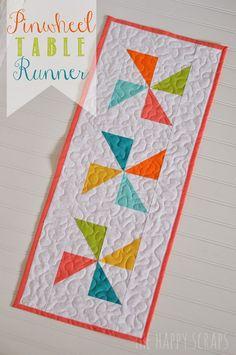 The Happy Scraps: Pinwheel Table Runner So simple, yet so adorable!