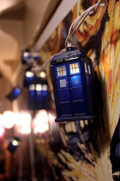 TARDIS string lights. OMG!!! Yes please!