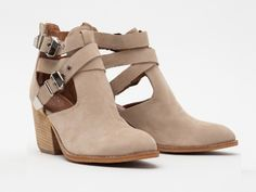 fashion, style, buckeyes, ankle boots, boot shoe, campbel boot, buckey boot, jeffrey campbell boots, boot tan