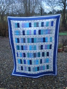 From the Craftster Community: coin stack quilt....and the tale of three boys - QUILTING