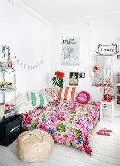If I was a teenage girl .. love this sweet bedroom. small apartments, beds, dream, color, white walls, girl bedrooms, apartment ideas, bohemian style, girl rooms