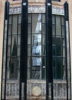 Chicagoan Art Deco (3)    stair reflection on an Art Deco window, on East Wacker Place
