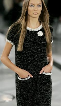 Chanel boucle shift dress looks amazing with the pearl details...x