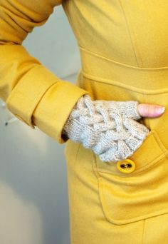 fingerless gloves w/ celtic braid.