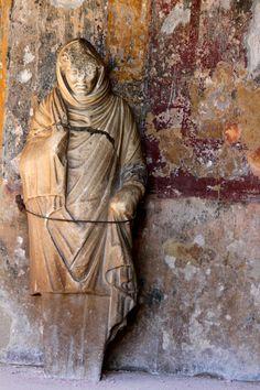 Vestal virgin C.50AD Pompeii, Campania