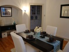 Home Staging Ideas, Dining Room Table, Nicely Furnished & Decorated Nook