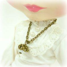 Retro Jewelry Blythe Pullip Doll Necklace Bronze by blacktulipshop, $5.00