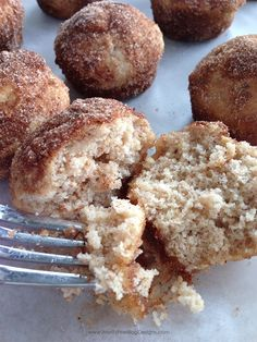 easy. yummy. Applesauce Puffs. Perfect for breakfast or dessert!
