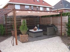 Outside on pinterest pallet tree houses tuin and pallet playhouse - Bank voor pergola ...