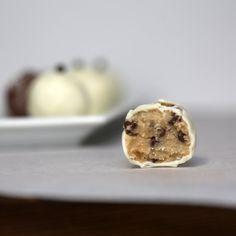 cookie dough truffles {a delicious edible gift!}