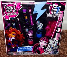 MONSTER HIGH BATH AND BEAUTY SET NEW
